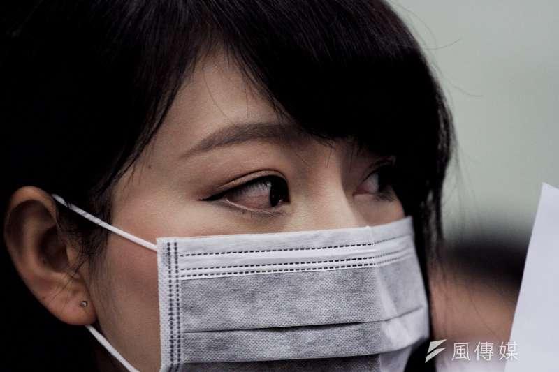 20161217復興航空工會前往松山機場,在場工會成員歷經連日於董事長林明昇住家樓下靜坐抗議,紅眼略顯疲憊。