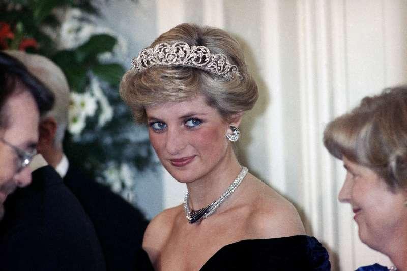 1987年11月2日,英國黛安娜王妃訪問西德首都波昂(AP)