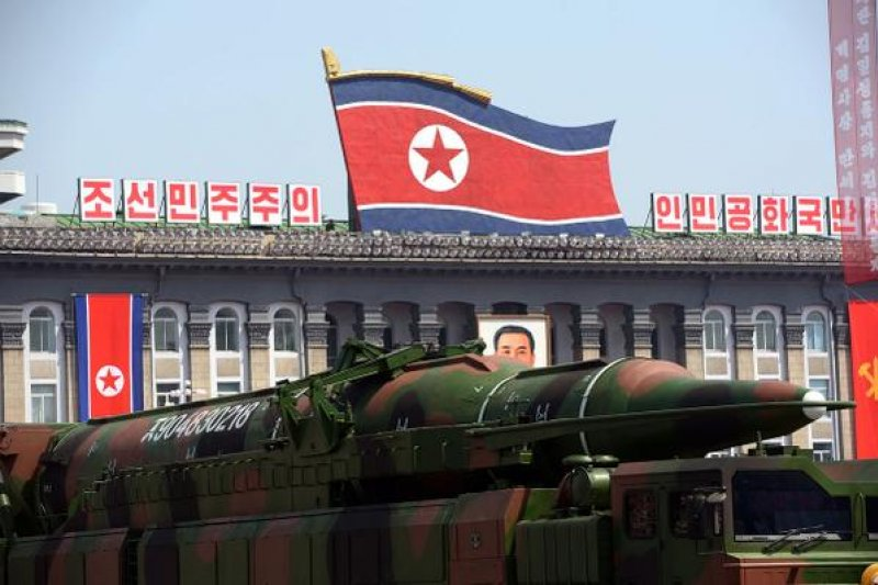 南韓軍方證實,北韓2日凌晨發射2枚短程洲際飛彈。(美聯社)