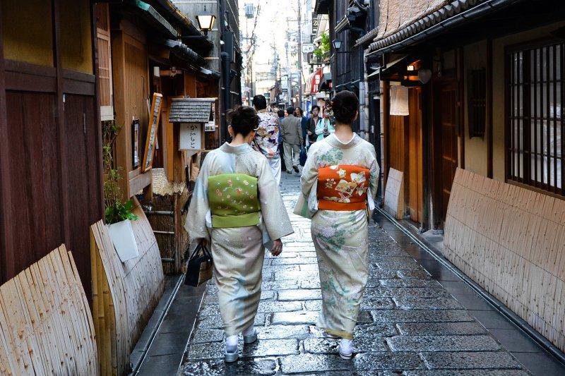 日本觀光廳日前公布2018年旅遊住宿數據,在外國人住宿比例部分,台灣旅客在日本20個縣都占第一。(取自Flickr@2benny)