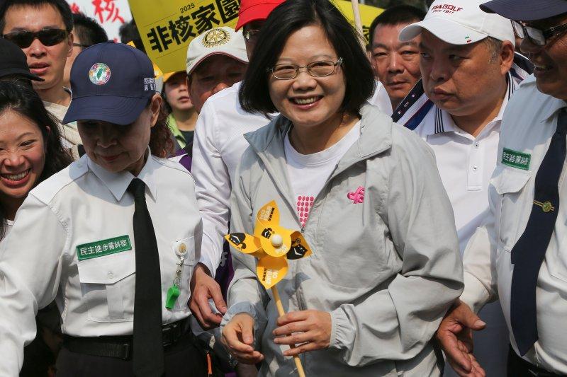 2015台北廢核遊行,民進黨主席蔡英文(中)。(楊子磊攝)