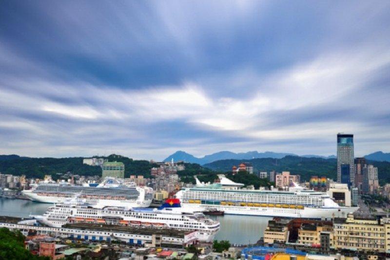 轉型後的港埠擁有不少具特色商店,圖為基隆港。資料來源:臺灣港務股份有限公司