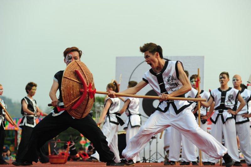 除了創意宋江陣競賽以外,每天都有迎佛祖遶境及總舖師辦桌活動