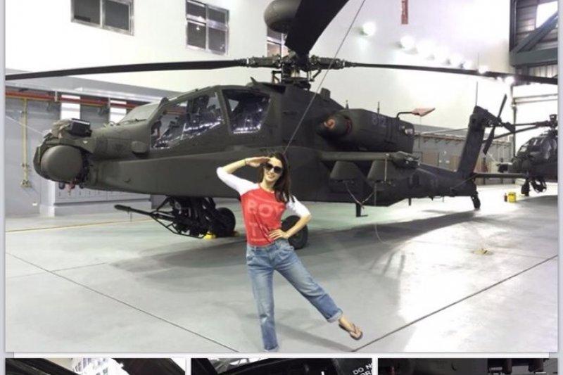 1427962749912-1-李蒨蓉參觀AH-64E阿帕契直升機的修護廠房-取自李蒨蓉臉書