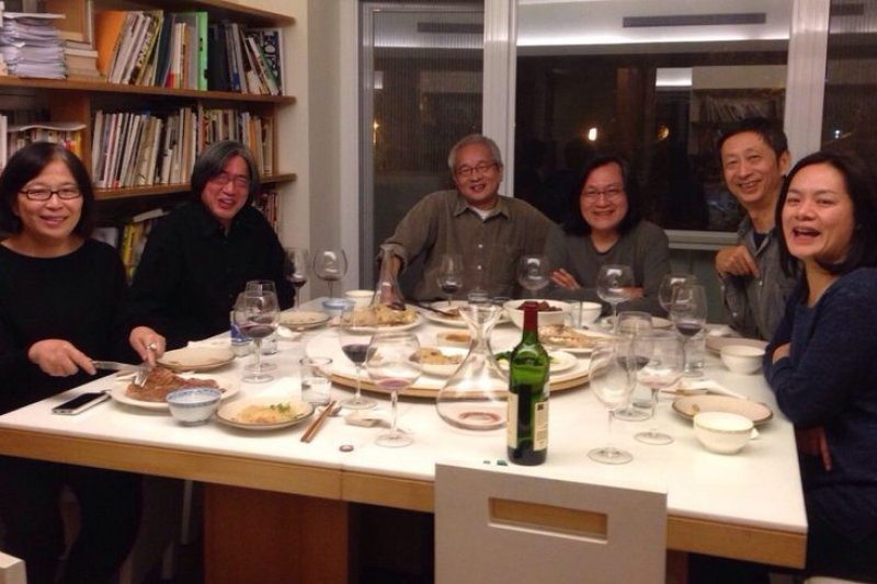 在餐桌上,王宣一就是快樂源。林洲民提供。