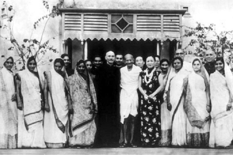 蔣介石支持甘地