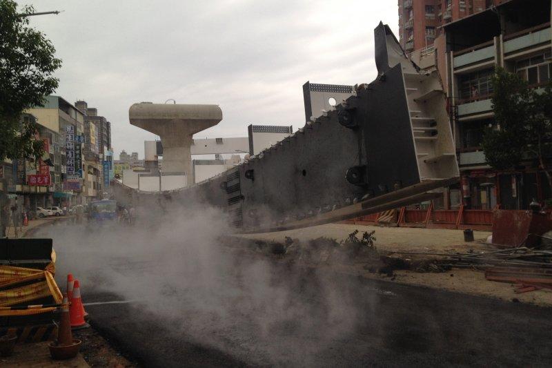 台中捷運綠線工程意外釀4死4傷慘劇,台中地檢署偵查終結起訴10人。(資料照,民眾提供)