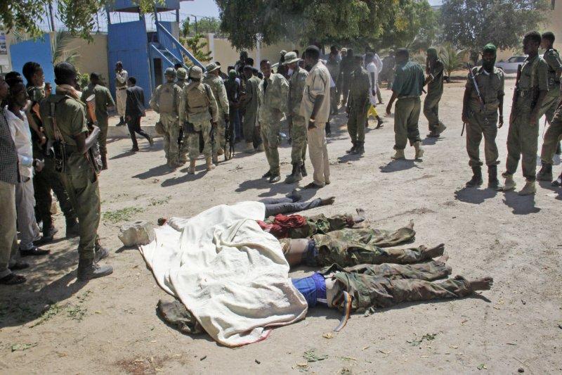 「青年黨」14日在索馬里亞首都發動恐攻,一共造成9人死亡。(美聯社)
