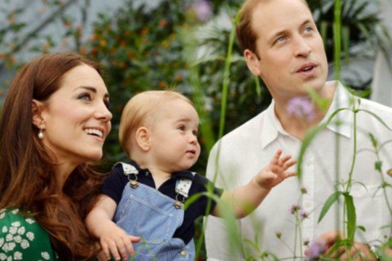 喬治王子(中)是英國第三王位繼承人。(BBC中文網)