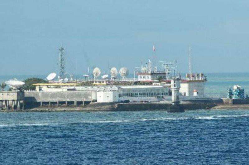 中國正在有主權爭議的南沙永暑礁加快填海工程(永暑礁資料照片)。