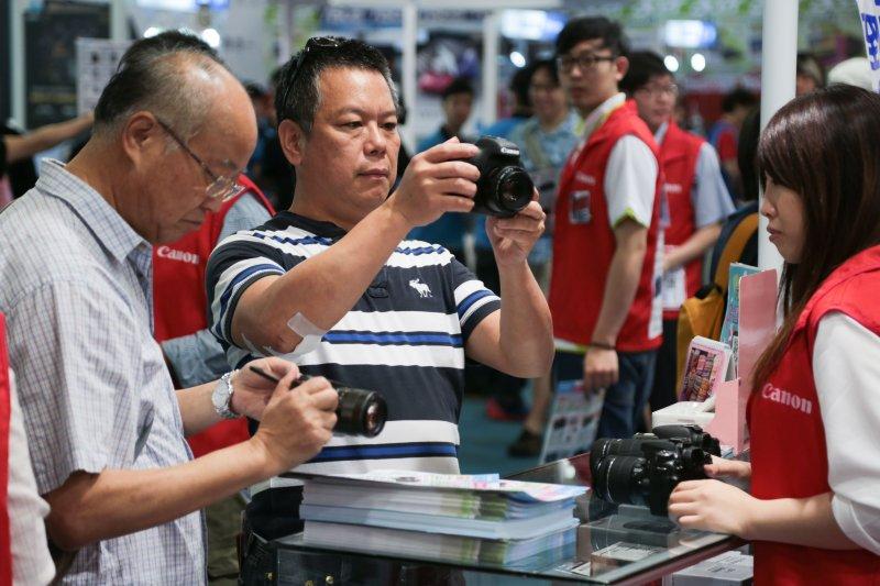 2015台北春季電腦展,CANON,數位相機。(余志偉攝)