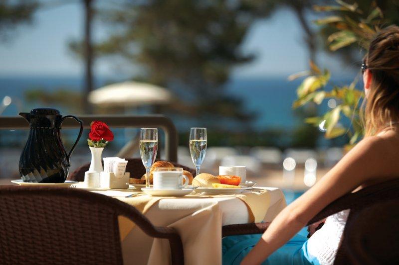 原來餐廳老闆都是大隱於世的心理學達人!(圖/PortoBay Hotels & Resorts@flickr)