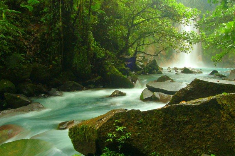 哥斯大黎加運用豐沛的水資源發展水力發電(圖/Bruce Thomson@flickr)