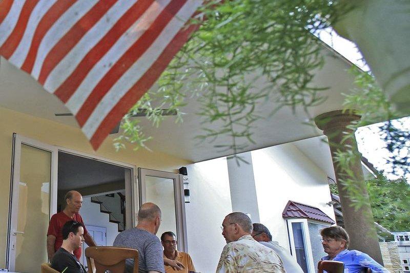 定居越南的美軍老兵,化干戈為玉帛,其樂融融。