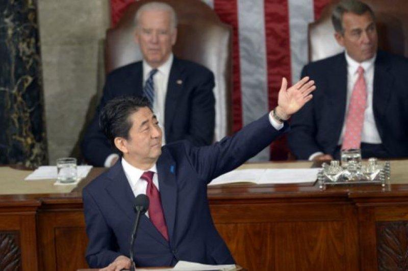 首相安倍晉三成為日本第一位到美國國會聯合會議發表演講的首相。