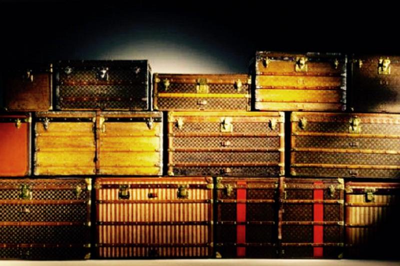 奢華復古的手工行李箱,隨著旅人淡淡的鄉愁航向未知的遠方。(取自網路)