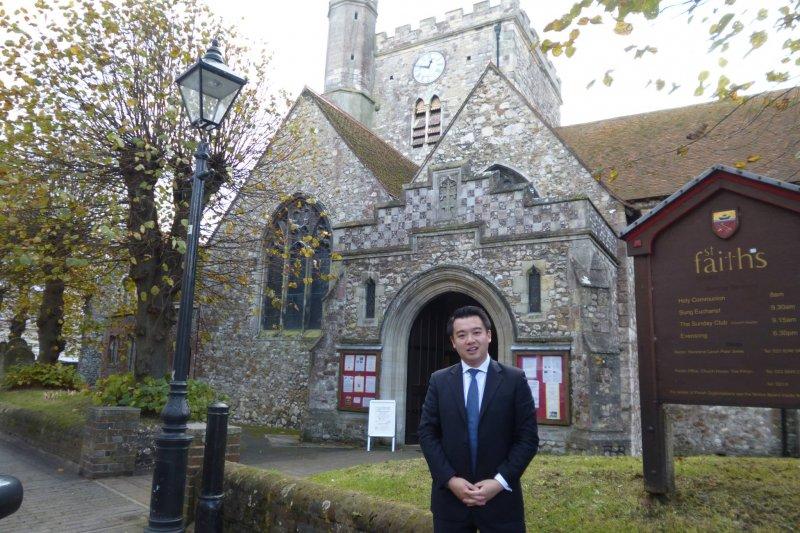 英國下議院800年來首位華裔議員出爐。(取自Alan Mak臉書)
