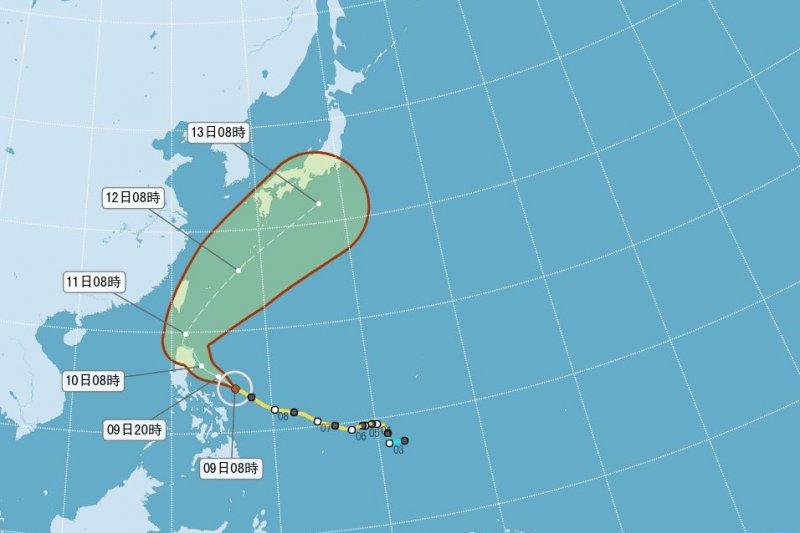 中颱紅霞路徑東偏,預估對台影響不大。(取自氣象局網站)