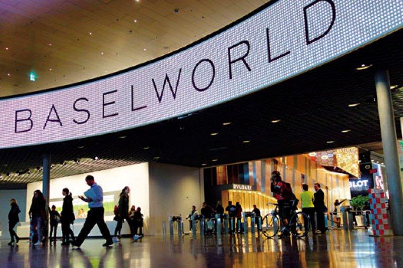 素有「鐘表界的奧斯卡」之稱的巴塞爾珠寶鐘表展,今年吸引來自100多個國家、近15萬名訪客參觀。(攝影者.林青樺)