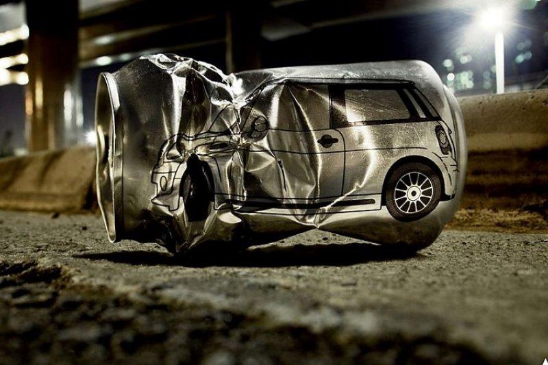 酒駕害人害己,喝酒請勿開車。(圖為巴西防酒駕廣告)