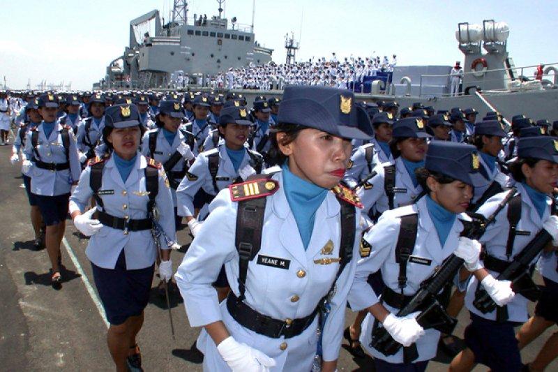 人權組織踢爆印尼女兵需接受處女膜檢查。