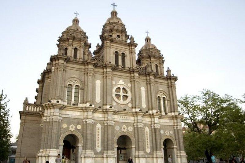 崇一堂發表的聲明指出:十字架是基督教的宗教標誌物和信仰愛的記號,在近二千年來,教堂的十字架放在建築物的頂部。