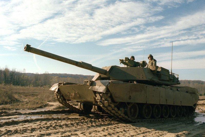 陸軍向美國採購二手M1A1戰車,預計將在2020年以前返台,擔任防衛台北首都地區的戰備任務。(取自Wikipedia)