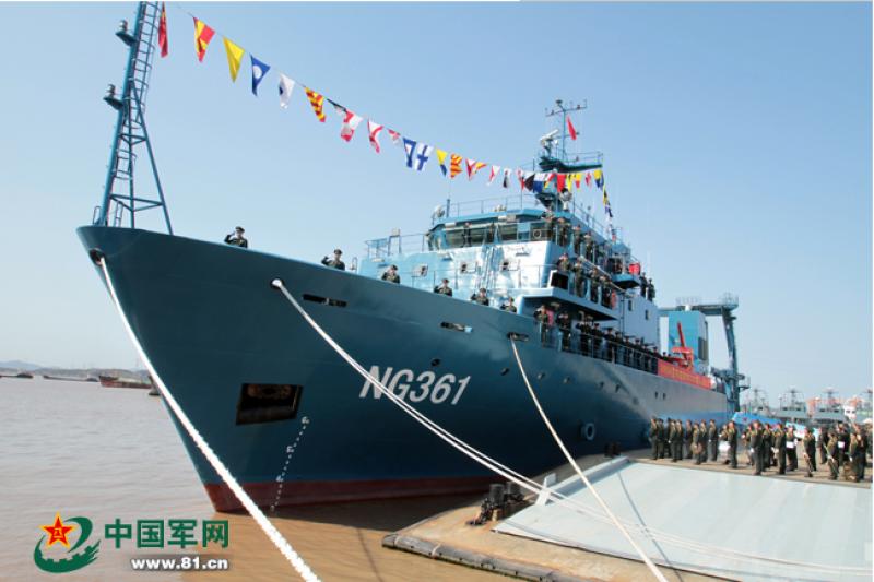 中國人民解放軍陸軍新型布纜船3月24日上午在舟山軍港正式入列。