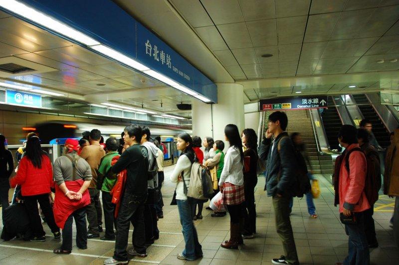 捷運板南線台北車站