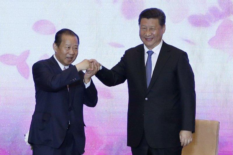 中國國家主席習近平(右)日前接見日本自民黨總務會長二階俊博
