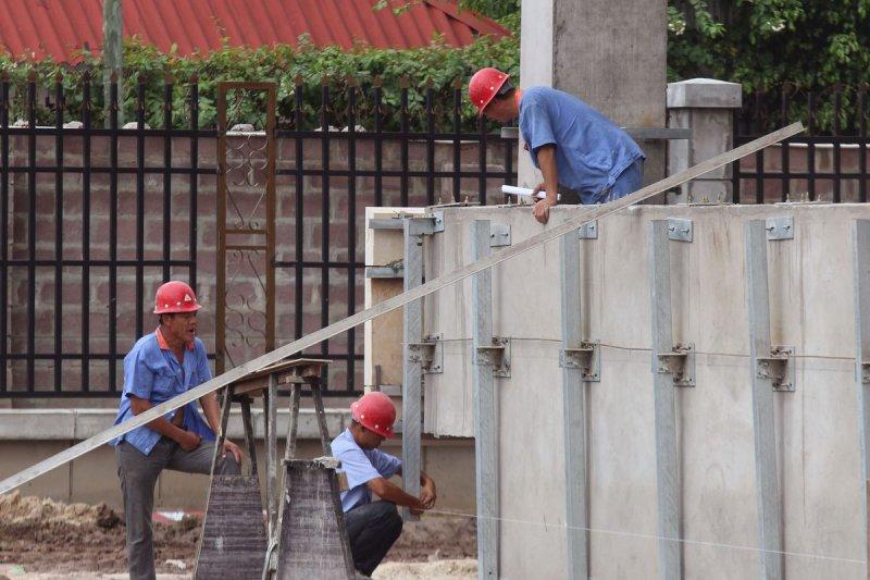 遠赴剛果民主共和國工作的中國勞工