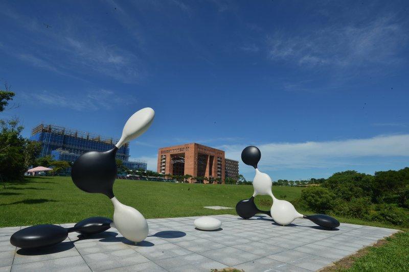 沈君山捐助建立的清大奕園一角,圖片來源:清華大學網站 http://goo.gl/kcxTBk