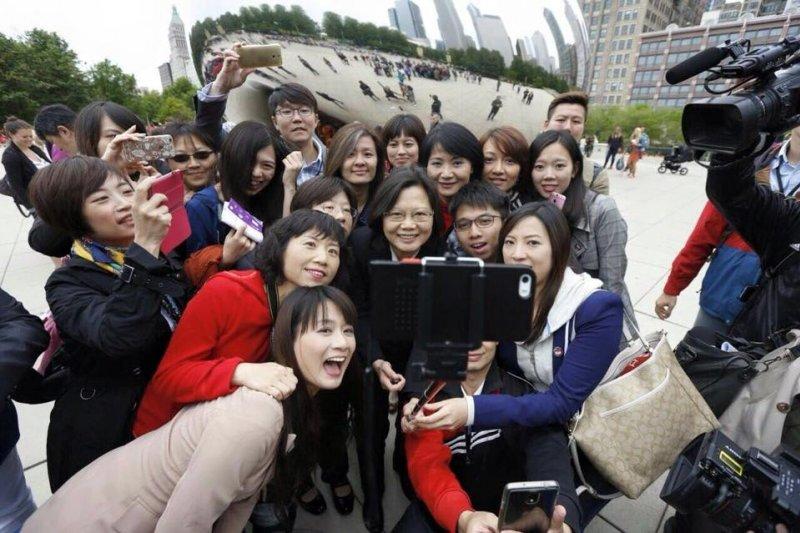 蔡英文訪美行,在芝加哥受到台僑熱烈歡迎(取自臉書)