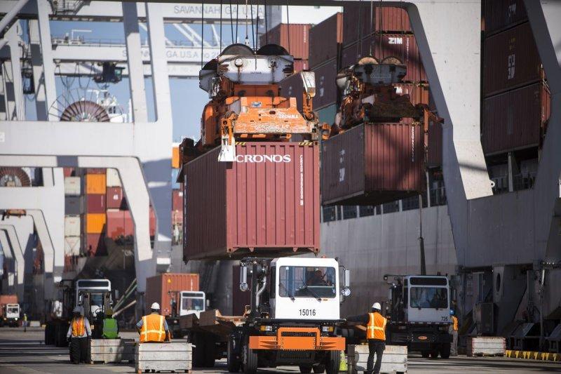 全球貨運量數據顯示,一些國家的航運活動已恢復正常。