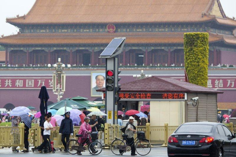 中國年輕人認為至少需要人民幣163萬元(約新台幣734萬元)才能安心退休。(美聯社)
