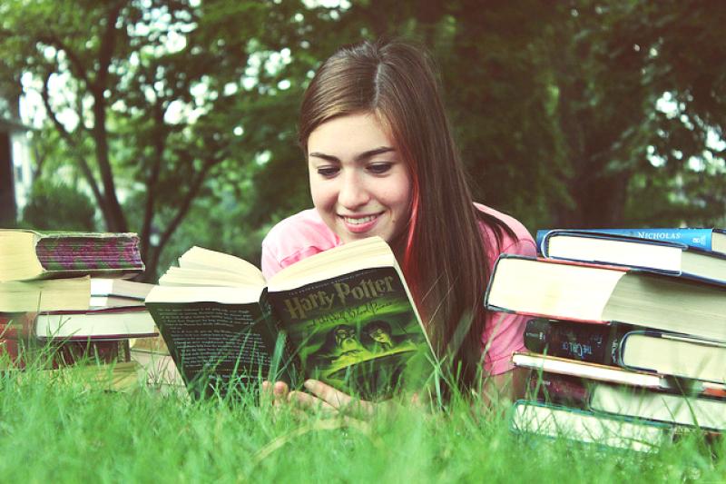 文章打印岀來閱讀比在螢幕上看更有助於我們的集中力(圖/Flickr@martinak15)