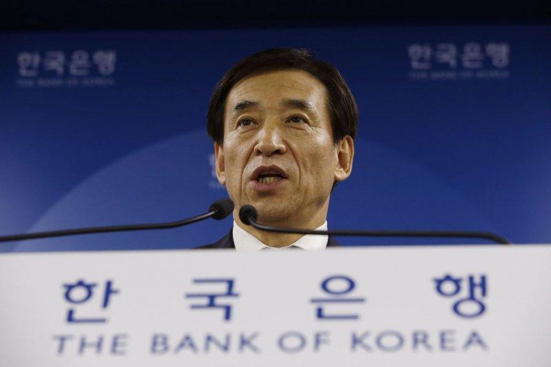 南韓央行總裁李柱烈11日宣布降息