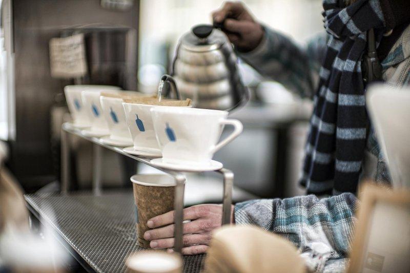 被稱為「咖啡界Apple」的藍瓶咖啡將三大堅持的咖啡文化帶向國際(圖/Christopher Michel@flickr)