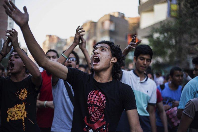 埃及年輕人走上街頭希望讓國家更好,但最後卻引來軍政府的高壓統治。(美聯社)