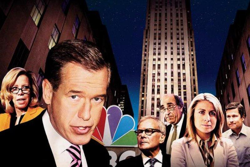 原為NBC當家主播的威廉斯(左二)將永久離開主播台。(取自NBC官網)