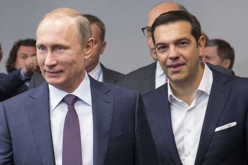 希臘總理齊普拉斯(右)日前訪問俄羅斯,與普京總統(左)會談。(美聯社)