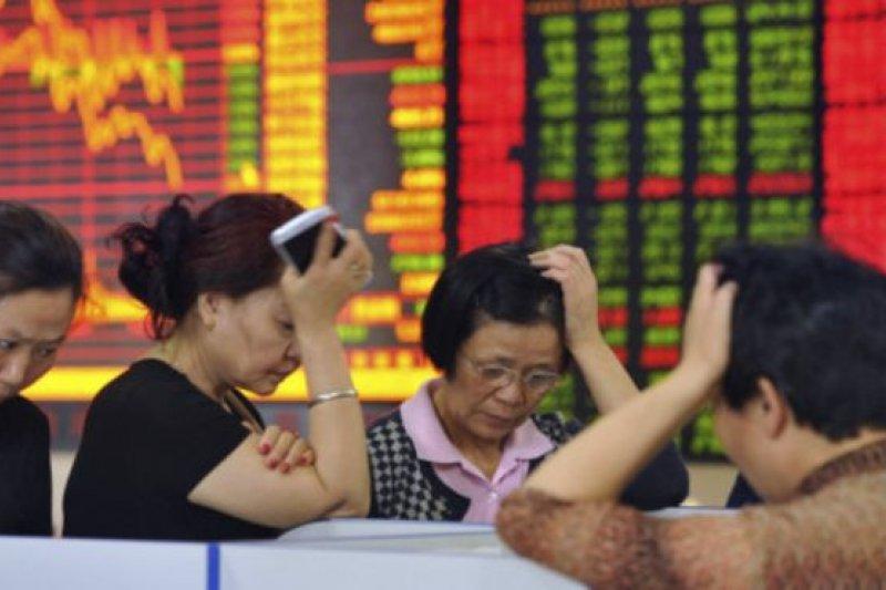 作者說,今年IPO與SPO市況不佳,正是資本市場問題的縮影。上市櫃業務萎縮及台股成交量高低,影響證券承銷與經紀業務,券商面臨產業瓶頸。(資料照,BBC中文網)