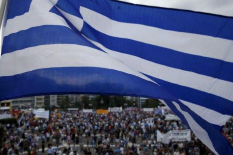 成千上萬示威者聚集在雅典對希臘左翼政府表示支持。