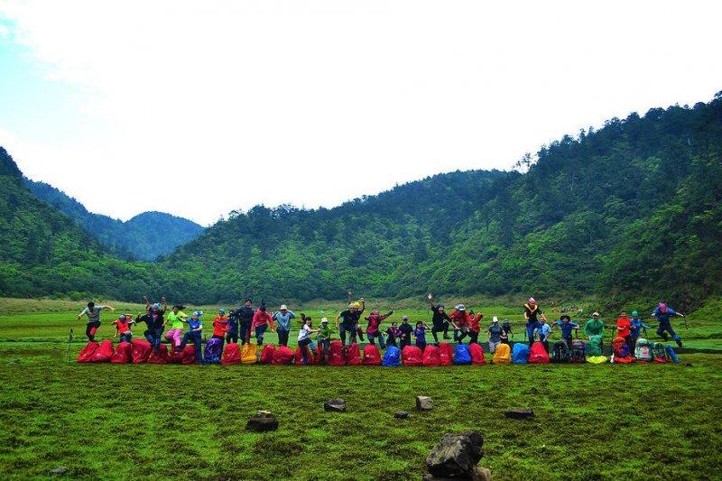 25位臺大學生計畫的Climb for Taiwan引發爭議。(圖/翻攝自台大領導學程募款企劃書)