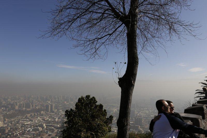 智利首都聖地牙哥空污。(美聯社)