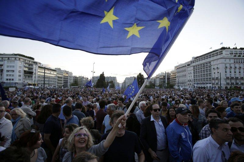 希臘是否違約成為近期全球矚目焦點,但很可能希臘退出歐元區才是救贖之道。(美聯社)