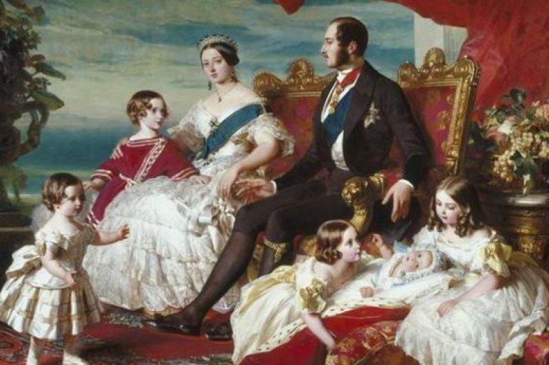 維多利亞和阿爾伯特是通過自由戀愛結為夫婦的——女王的母親最初想讓阿爾伯特的哥哥追求她(圖片來源:Alamy)