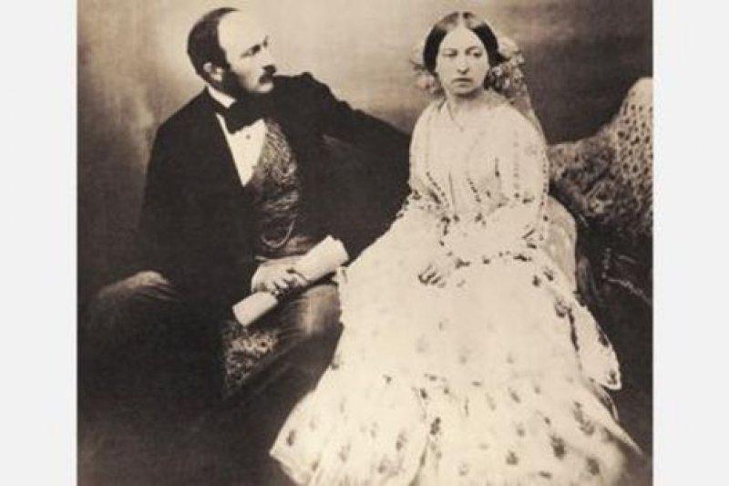 攝影是維多利亞和阿爾伯特推崇的眾多藝術形式之一,這種藝術在她統治初期首次流行開來。(圖片來源:Corbis)