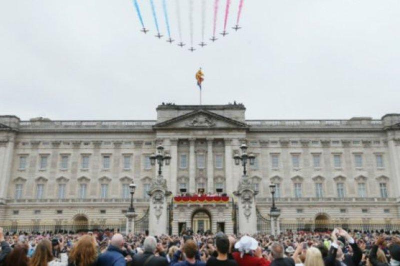 據悉,白金漢宮的維修費用可能要高達1.5億英鎊。(BBC中文網)