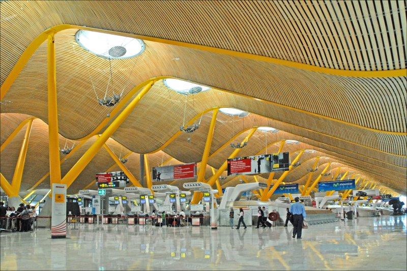 機場代碼往往代入自己國家的特色與文化紀念(圖/Jean-Pierre Dalbéra@flickr)